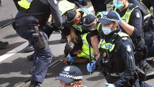 Australia: Violent clashes as anti-lockdown protestors fight with cops