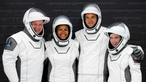 एलन मस्क के SpaceX ने रचा इतिहास, 4 आम नागरिकों को भेजा अंतरिक्ष में