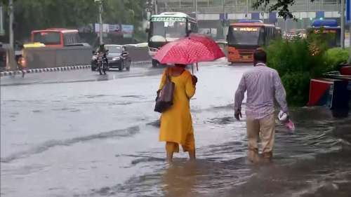 Heavy rainfall lashes parts of Delhi, yellow alert sounded for the next 3 days