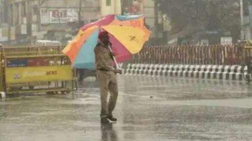 UP Rain: उत्तर प्रदेश के 30 जिलों में भारी बारिश से हालात खराब, लखनऊ प्रशासन ने जारी की एडवाइजरी