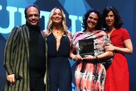 Sylvia Guimarães vence o Prêmio Veja-se na categoria Cultura