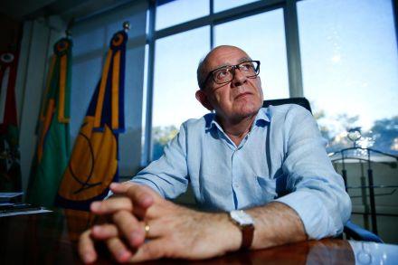 Um dia após vencer eleição, Ubaldo aponta soluções para os problemas da UFSC