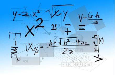 Refletindo sobre a adequação curricular nas aulas de matemática