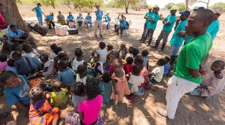 ONG abre escola baseada em método construtivista, em Moçambique