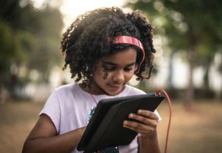 Tecnologia apoia preparação de estudantes para o futuro, dizem professores em pesquisa do Google