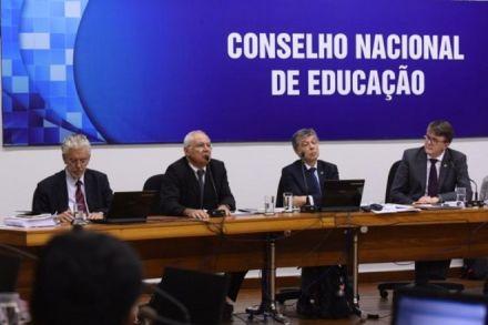 Nova base curricular é aprovada sem ideologia de gênero; veja a íntegra