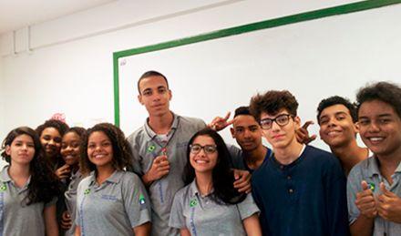Estudantes de colégio estadual conquistam medalha em Olimpíada de Matemática