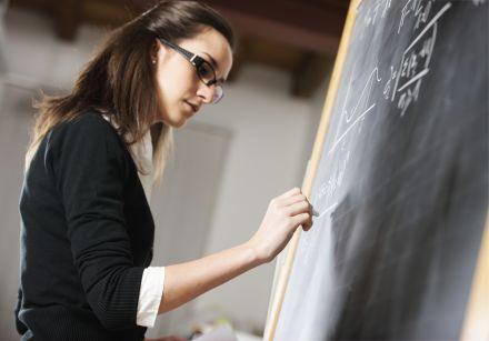 Preparação de docentes já em atividade é principal desafio para incorporação da Base Nacional Comum