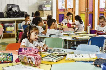 Países perdem até 30 trilhões de dólares por não educar meninas