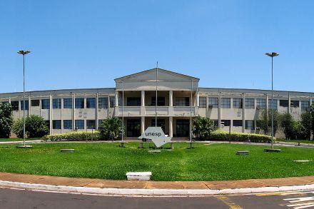 Unesp expulsa 27 alunos por fraude em cota racial