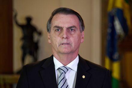 Governo vai 'tomar conhecimento' do Enem antes da prova, afirma Bolsonaro