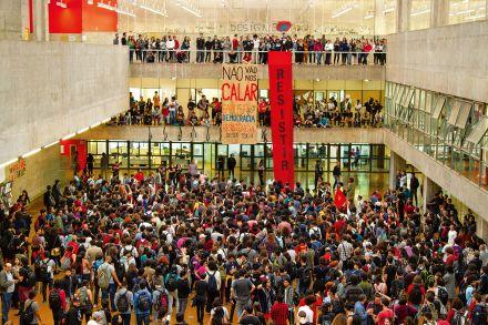 'Escola sem partido não entra na USP', afirma reitor