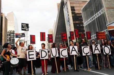 Foco de crises com Bolsonaro, educação tem maior aumento de desaprovação