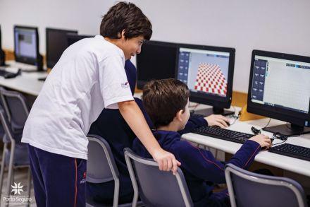 Alunos são protagonistas do ensino com uso de tecnologia