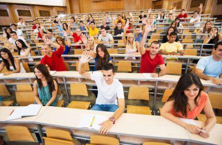 Mesmo sem Enem, saiba como conseguir bolsa de estudo no Brasil