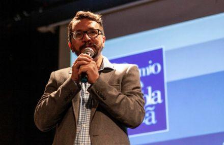 Professor premiado engaja alunos com método inovador