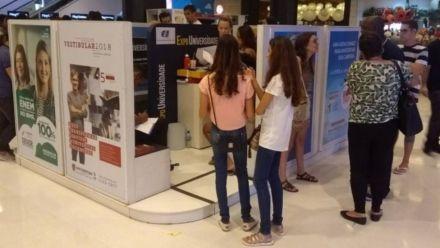 Expo Universidade recebe jovens em busca de qualificação profissional