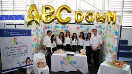 Universitários desenvolvem aplicativo que orienta pais de crianças com Síndrome de Down