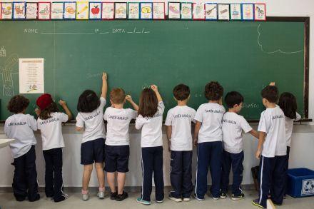 Escolanão muda educação sozinha, diz chefe de faculdade de NY