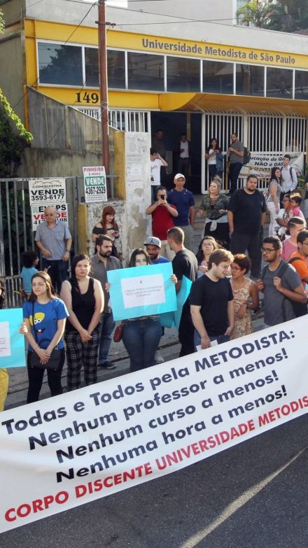 Justiça determina que Metodista reintegre professores demitidos