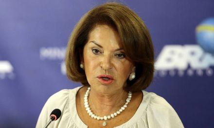 'O ensino médio brasileiro não serve para nada', diz secretária-executiva do MEC