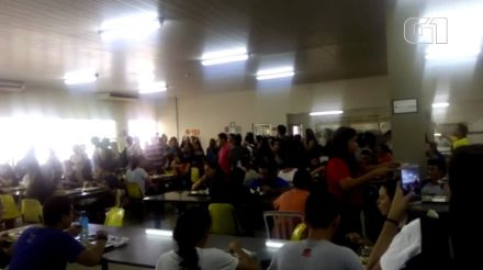 Alunos de universidades federais fazem manifestações contra corte de verbas no Piauí