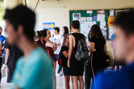 Vestibular UFSC e UFFS 2020 tem 'a exclusão escolar e o direito à educação no Brasil' como tema da redação