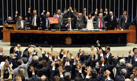 Plano Nacional de Educação é o 'destino', mas Brasil ainda não tem 'roteiro' para chegar lá, dizem especialistas