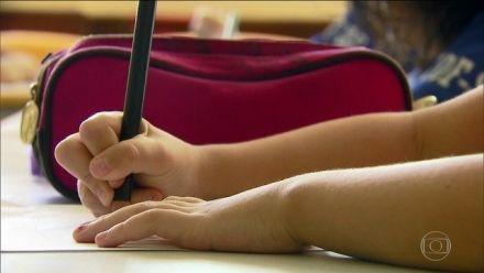 Compromisso para educação básica do MEC é 'primeiro passo', mas 'ignora' Plano Nacional de Educação, dizem especialistas