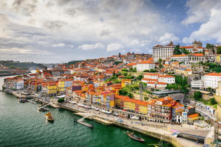 Os melhores programas, custos e vistos para um intercâmbio em Portugal