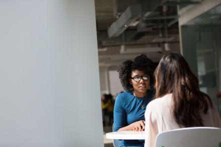 5 perguntas para fazer no primeiro dia de trabalho – e se destacar!