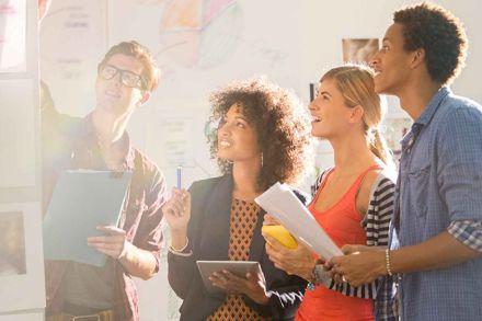 Pensa em seguir uma carreira pública? Conheça vantagens e desvantagens do setor!