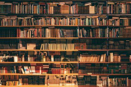 Os 15 livros mais usados em universidades pelo mundo