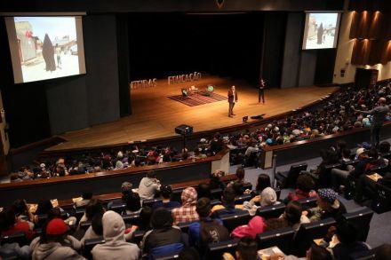 Aula sobre história da civilização marca segundo encontro do Fronteiras Educação