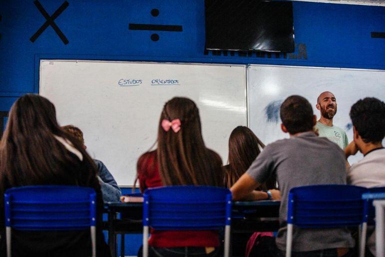 Secretaria da Educação abre no dia 14 de agosto inscrições de concurso para contratar 1 mil professores