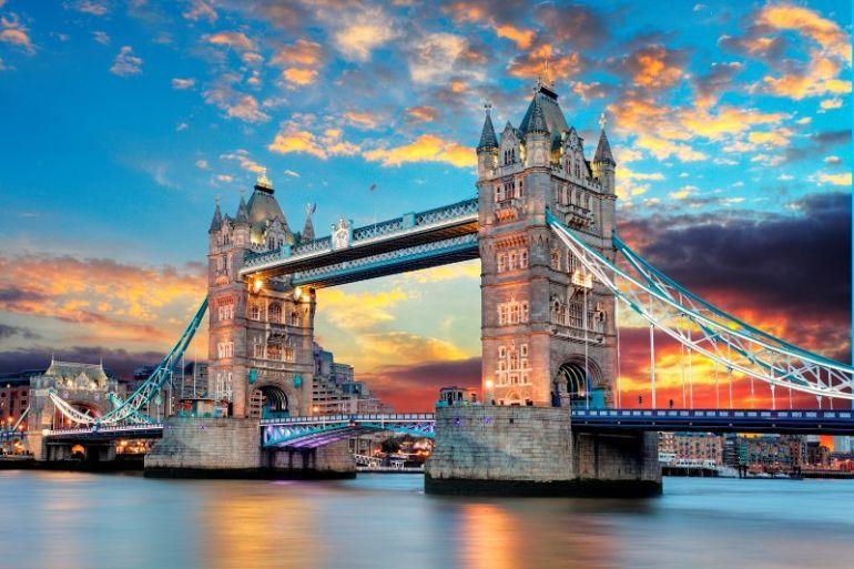 Governo britânico oferece bolsas de estudo para brasileiros