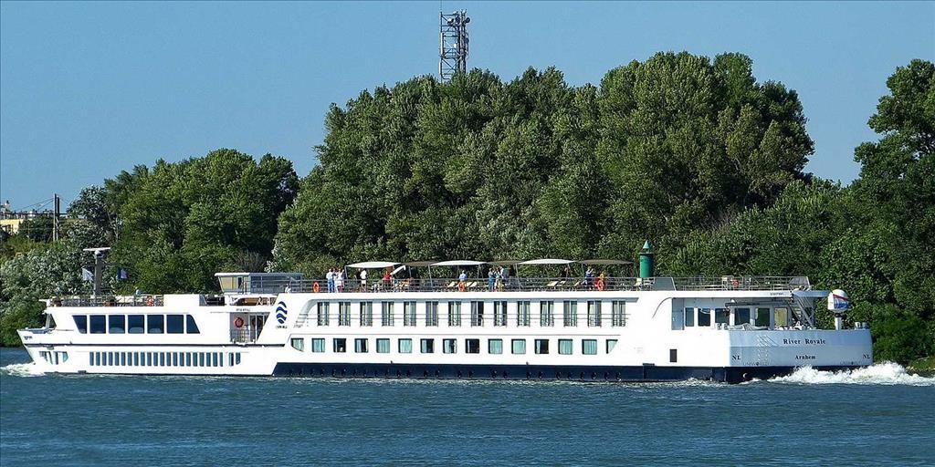 River Royale Vs River Tosca Compare Cruise Amenities