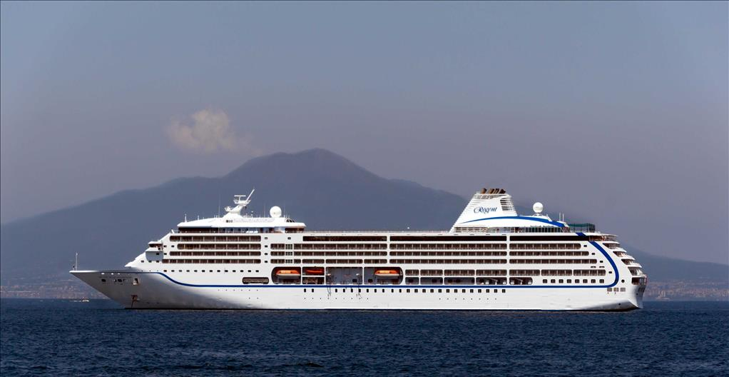 Seven Seas Mariner Vs Seven Seas Voyager Compare Cruise