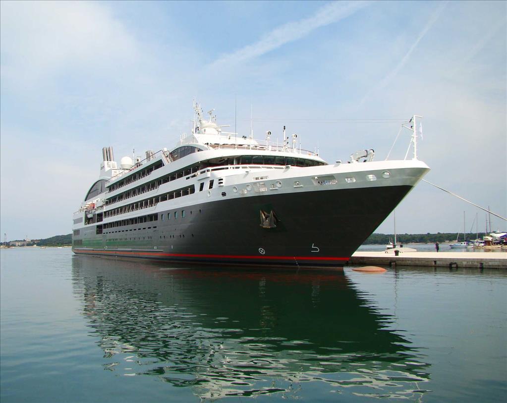 L Austral Tauck River Cruises Vs Star Legend Compare