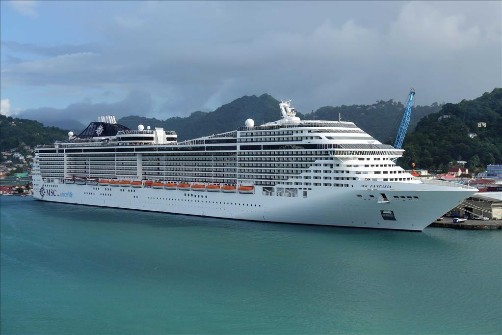 Msc Fantasia Vs Msc Lirica Compare Cruise Amenities Food