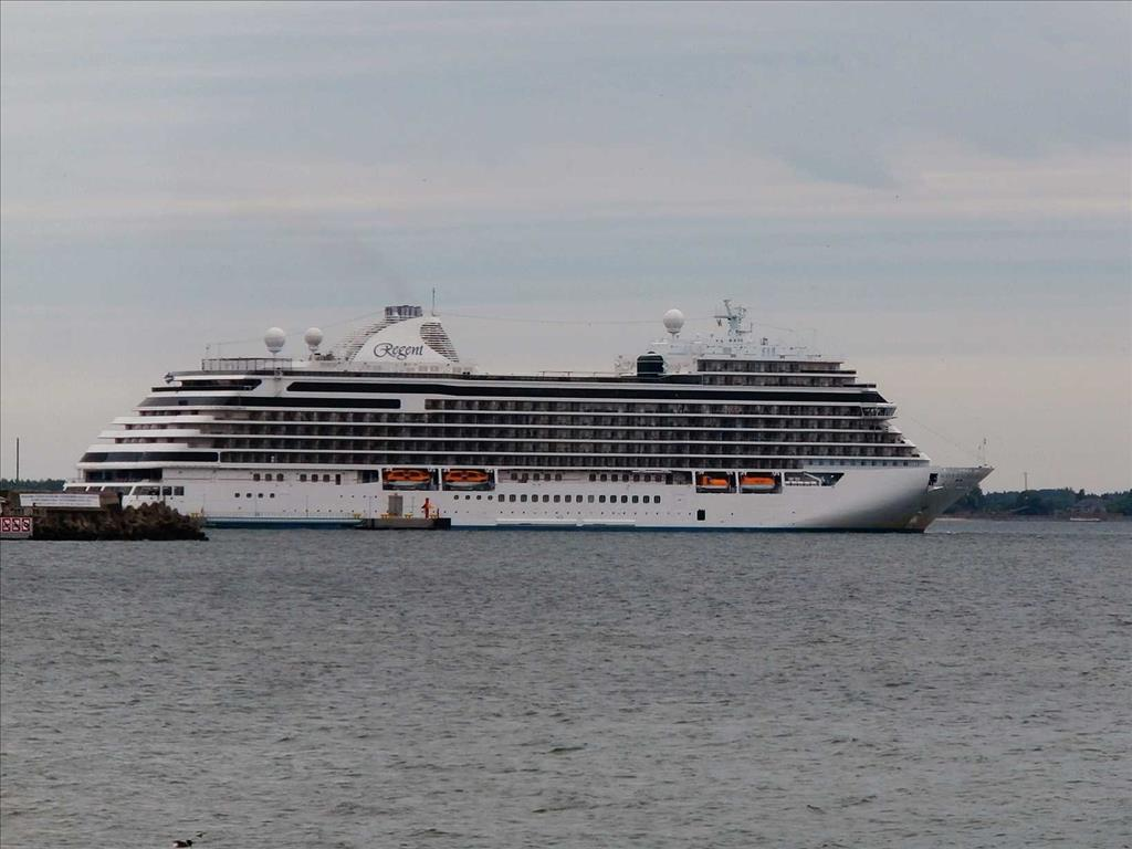 Seven Seas Explorer Vs Seven Seas Navigator Compare