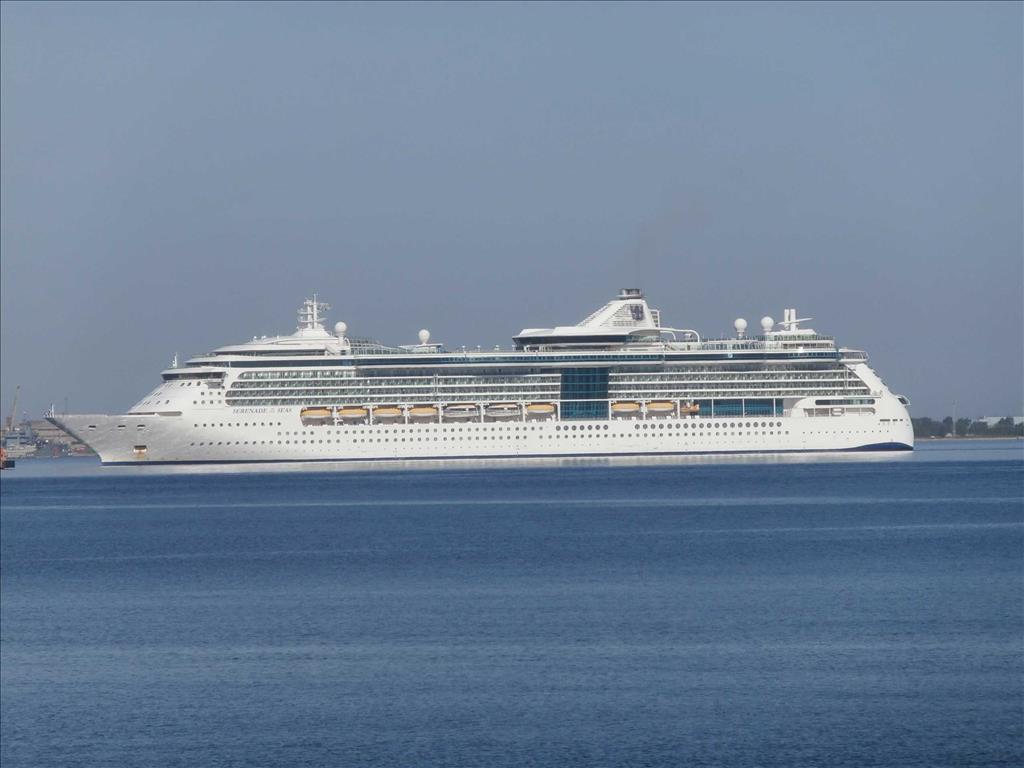 Grandeur Of The Seas Vs Serenade Of The Seas Compare