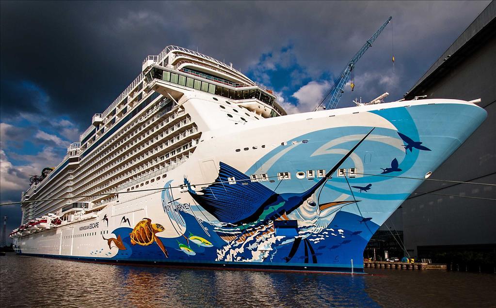 Norwegian Escape Vs Norwegian Gem Compare Cruise Amenities Food - Compare cruise prices