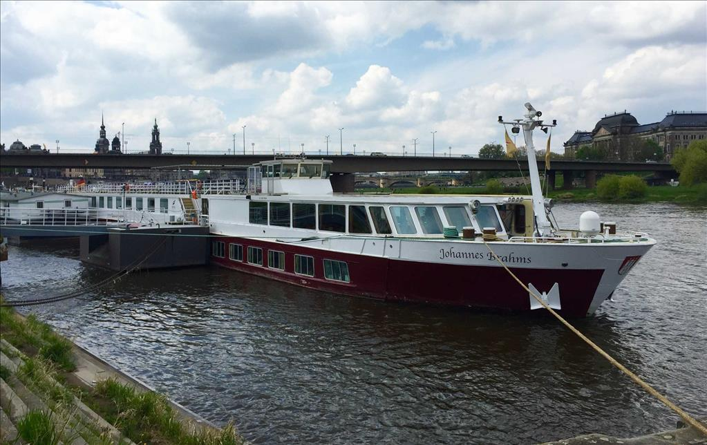 Johannes Brahms Vs Rex Rheni Compare Cruise Amenities