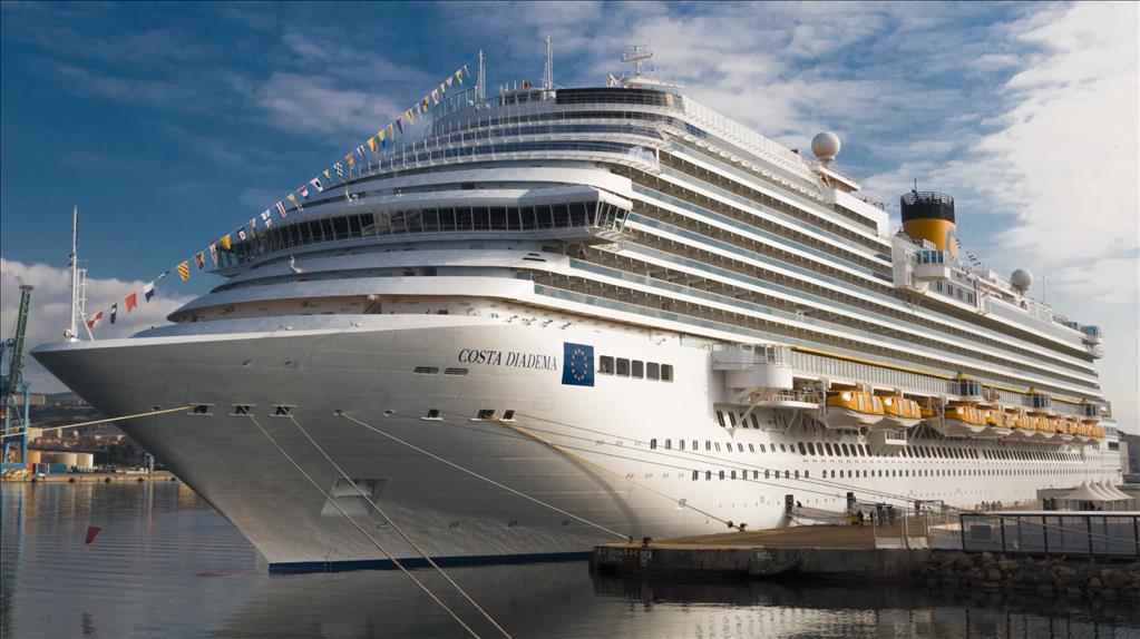 Costa Diadema Vs Costa Fascinosa Compare Cruise Amenities