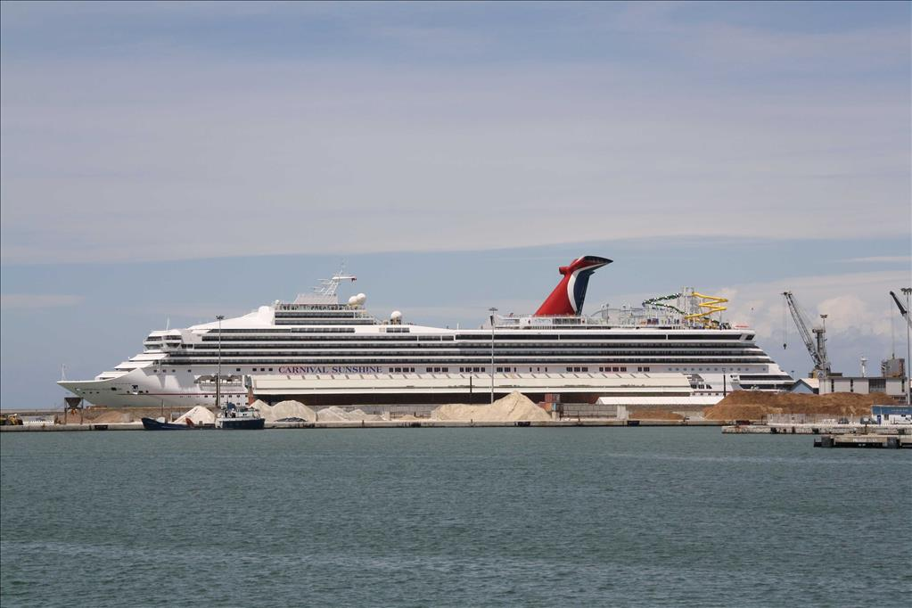 Carnival Liberty Vs Carnival Sunshine Compare Cruise Amenities - Pictures of carnival liberty cruise ship