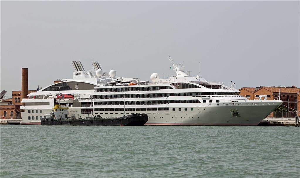 Le Sol 233 Al Tauck River Cruises Vs Savor Compare Cruise