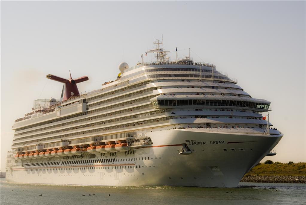 Carnival Dream Vs Carnival Valor Compare Cruise Amenities Food - Compare cruise prices