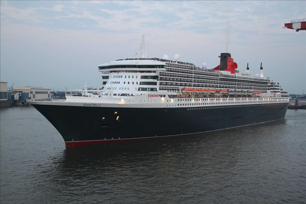 Queen Elizabeth Vs Queen Mary Compare Cruise Amenities Food - Princess mary cruise ship