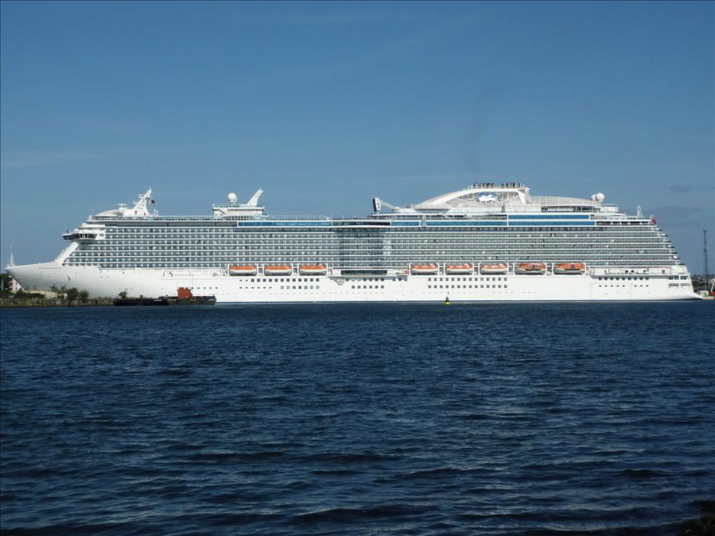 Princess Cruises Vs Royal Caribbean Which Cruise Line Is Better For Your Vacation